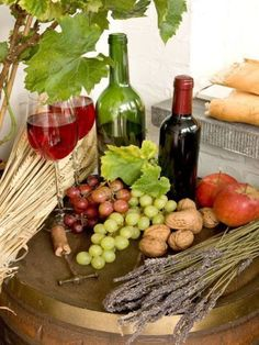 Wine barrel with fruits, red wine and bread Stock Photo Just Wine, Wine And Beer, Serbian Recipes, Serbian Food, Dining Menu, Wine Vineyards, Coffee Culture, In Vino Veritas, Chocolate Coffee