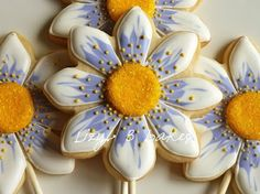 Giant daisy cookies