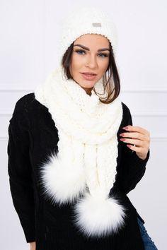 Dámska čiapka a šál s brmbolcami smotanová Modeling, Outfit, Winter, Fashion, Clothes, Moda, Fasion, Trendy Fashion, Outfits