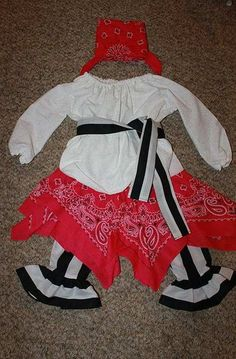 DIY Pirate Costume for Little Girls | 25 DIY Pirate Costume Ideas, check it out at http://diyready.com/25-argh-tastic-diy-pirate-costume-ideas