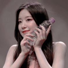 Kpop Girl Groups, Korean Girl Groups, Kpop Girls, Kpop Aesthetic, Aesthetic Girl, Kim Sun, Cute Icons, Only Girl, Iconic Women
