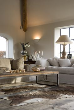 classy living room design and decor ideas 34 ~ INSPIRA Home And Living, House Interior, Home, Interior Design Living Room, Interior, Small Living Rooms, Classy Living Room, White Home Decor, Home Decor
