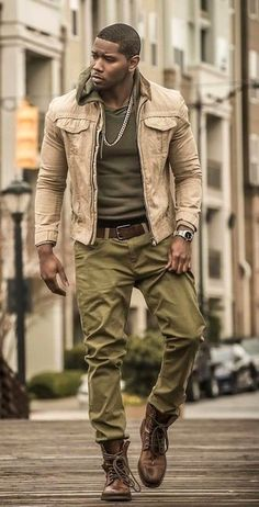 How to wear: brown leather casual boots, olive chinos, olive hoodie, beige Brown Hoodie, Olive Chinos, Fashion Business, Office Fashion, School Fashion, Business Casual, Business Professional, Business School, Guy Fashion