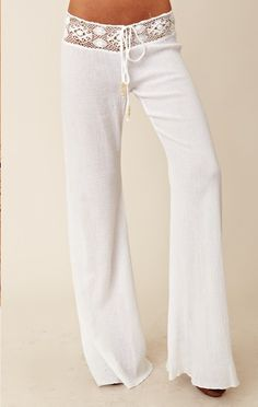 Beachy Pants...oooooo I just wanna snuggle up on my beach chair by the pool and read a good book wearing these!