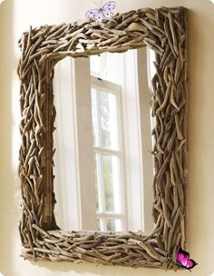 DIY driftwood mirror. for the room that my pallet coffee table goes in. Driftwood Wall Art, Driftwood Projects, Diy Projects, Driftwood Coffee Table, Backyard Projects, Knock Off Decor, Diy Mirror, Mirror Makeover, Mirror Crafts