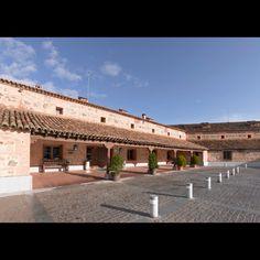 Parador de Toledo | Paradores de Turismo Places In Spain, Spanish, Tours, Mansions, House Styles, Home Decor, Staircases, Terrace, Spain Tourism