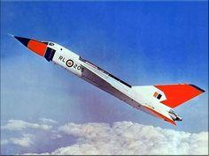 Aviones Caza           Avro Canada CF-105 Arrow   Tipo Interceptor Fabricante       Avro Canada Primer vuelo 25 de marzo de 1958 Introducido Nunca entró en servicio Generación      2º Estado Cancelado el 20 de febrero de 1959 Usuario  Royal Canadian Air Force Producción 1957 N.º construidos     5 (el N.º 6 estaba un 93% completo)