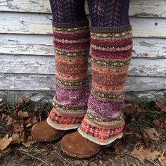 recycled sweater legwarmers - definitely going to try to find an old sweater with cute pattern. Motif Fair Isle, Diy Mode, Old Sweater, Upcycled Sweater, Jumper, Moda Vintage, Diy Clothing, Clothes Refashion, Looks Cool
