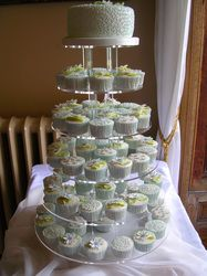 An alternative to a wedding cake or a tasty extra