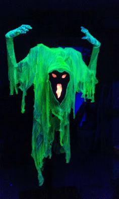 /Johnnys Ghosts blogspot: Phantom Shadow is Done!