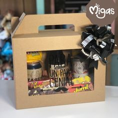 Diy Best Friend Gifts, Gifts For Dad, Creative Box, Creative Gifts, Flying Butterfly Card, Diy Birthday, Birthday Gifts, Fathers Day Baskets, Charcuterie Gifts