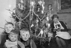 Weihnachten in Bromberg 1939 Juergen/Timeline Images Timeline Images, Germany, Concert, Retro Vintage, Christmas, Life, Read Aloud Books, Historical Pictures, Photo Kids