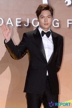 [Japan-Kstyle] Actor Lee Min Ho at 52nd DaeJong Film Awards -Red Carpet FOR Best NEW Actor Award on 20 Nov 2015 (Friday)]【PHOTO】イ・ミンホ、イ・ヒョヌ、パク・ソジュン…「大鐘賞映画祭」に多くの俳優たちが登場 - MOVIE - 韓流・韓国芸能ニュースはKstyle