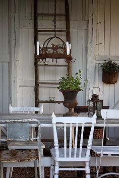 Ideas Farmhouse Table And Chairs Painted Front Porches Rustic Table, Rustic Chic, Rustic Outdoor, Outdoor Dining, Dining Area, Farmhouse Chic, Farmhouse Table, Cottage Farmhouse, Garden Cottage