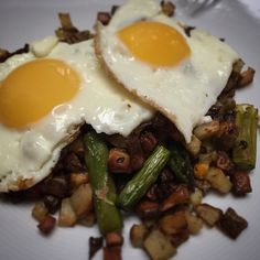 Breakfast for dinner. A heavenly potato and veggie hash with eggs on top. #cleaneating #bonappetit #foodie