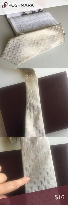 New 🆕 Listing Geoffrey Beene Men's Tie Geoffrey Beene Men's 🔆 Pre- Loved Tie has a small stain as shown in pictures 🔆 Bundle and Save 🔆 Reasonable Offers Welcomed Geoffrey Beene Accessories Ties