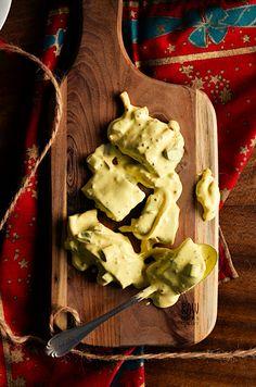 I adore cinnamon- subiektywny blog kulinarny o zapachu cynamonu: Śledzie w sosie musztardowym z curry, ogórkami i cebulką Pickled Cucumbers And Onions, Pickling Cucumbers, Mustard, Curry, Cooking, Blog, Recipes, Kitchen, Curries