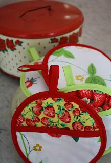 The Vintage Sheet Blog: Pot Mitts Tutorial and Weekend Link Party