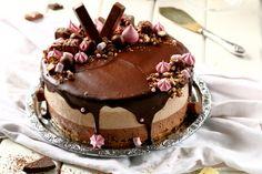 Ihana kolmen suklaan liivatteeton juustokakku - Suklaapossu Cake Recipes, Dessert Recipes, Death By Chocolate, Cheesecakes, Amazing Cakes, Cake Decorating, Sweet Tooth, Good Food, Food Porn
