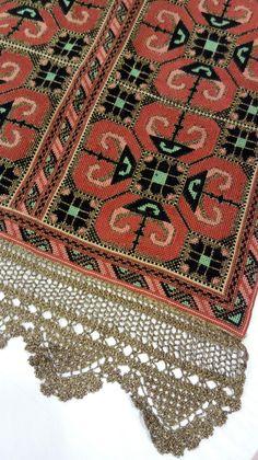 Χειροποιητο κεντημα απο το www.ravopleko.gr Needlepoint Designs, Cross Stitching, Baroque, Ava, Cross Stitch Patterns, Bohemian Rug, Greek, Embroidery, Rugs