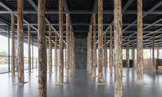 David Chipperfield inagura exposição na Neue Nationalgalerie em Berlim