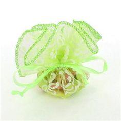 Ce sachet en tulle Olivia est idéal pour donner une touche élégante à votre événement !