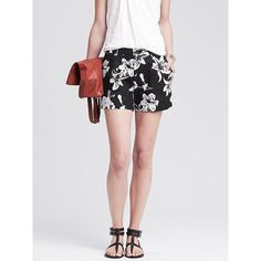 Banana Republic Womens Textured Floral Short Size 8 - Black/white ($50) ❤ liked on Polyvore featuring shorts, banana republic shorts, zipper pocket shorts, banana republic, pocket shorts and black white shorts