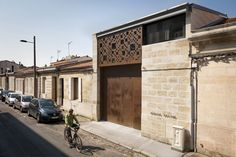 Completed in 2014 in Bordeaux, France. Images by François Passerini Photographies. Atelier ZEL!UM was born on the initiative of an individual, an entertainment professional, specializing in set design and accessories. He dreamed of...