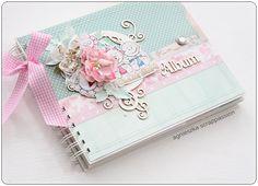 Mini Albums Scrap, Mini Scrapbook Albums, Scrapbook Bebe, Diy Crafts For Girls, Baby Frame, Shabby Chic Cards, Baby Album, Vintage Crafts, Birthday Wishes