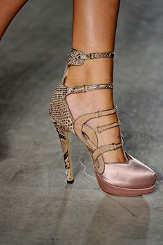What Would Khaleesi Wear? Aquilano Rimondi heels