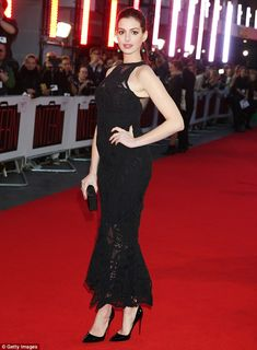 "Anne Hathaway in Johnathan Simkhai Spring 2016 attends the UK Premiere of ""The Intern"" on September 27, 2015"