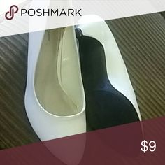 White heels Size 10w. Wore once Jaclyn Smith Shoes Heels
