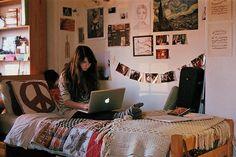 20 Cool College Dorm Room Ideas