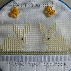 Kutch Work Designs, Swedish Weaving Patterns, Swedish Embroidery, Bargello, Kids Rugs, Canvas, Instagram Posts, Maria Clara, Doll Crafts