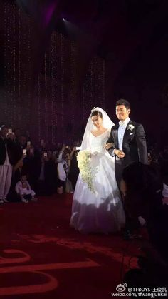 TFBOYS-WangJunKai weibo update translation:just attended the wedding,I'm sharing this photo with u guys which I took for sis Angelababy and bro Huang XiaoMing today,wish their future life full of happiness! Check his Weibo ➡️TFBOYS-王俊凯 #王俊凯 #TFBOYS-王俊凯