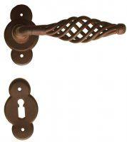 Art. G1082 Maniglia per porte a rosetta in ferro battuto finitura Antichizzato ruggine