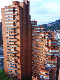 Torres del Parque / Rogelio Salmona Interesting Buildings, Amazing Buildings, Unique Architecture, Space Architecture, The Beautiful Country, Beautiful Space, Brick Building, Building Design, Space Interiors