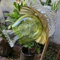 Plate Flowers Garden, Glass Plate Flowers, Flower Plates, Glass Garden Art, Glass Art, China Garden, Handmade Copper, Carnival Glass, Vintage Glassware