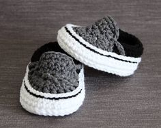 Crochet PATTERN. Vans style baby sneakers. Instant Download.