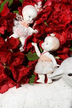 Love-child, porcelain