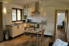 Caban Diffwys - Romantic luxury log cabin for two in Snowdonia with Sauna and Spa Shower
