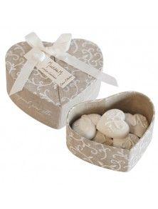 Mathilde M. Detalles de boda: Caja de 7 corazones Mathilde M perfumados, esculpidos en escayola