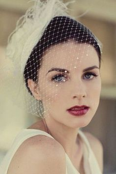 Try these wedding makeup tricks for your best bridal look ever.