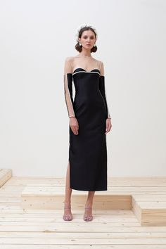 SPONSORED: Sandra Mansour Spring 2020 Ready-to-Wear Fashion Show Collection: See the complete Sandra Mansour Spring 2020 Ready-to-Wear collection. Look 9 Fashion 2020, High Fashion, Fashion Show Collection, Vogue Paris, Mannequins, Lehenga, Strapless Dress Formal, Beautiful Dresses, Ready To Wear