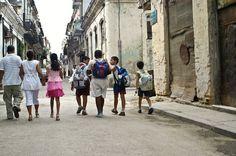 Baseado em uma história real, Jovens rebeldes aterrorizam uma escola. Ao esquecerem o estudo, também esqueceram do seu futuro.https://mentesadolescentes.com/estudar-e-necessario/