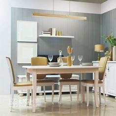 Żyrandol ISNELLO jest doskonałą alternatywą dla oświetlenia nad stół, biurko lub wyspę kuchenną. Lampa posiada źródło światła led o mocy 15W, 1100 lm, barwie 3000K. Led Lights, Decor, Table, Dining Table, Led, Room, Conference Room Table, Home Decor, Furniture