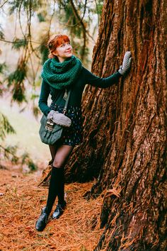 I really love the dark green outfit! And I like how it's cute but layered The Clothes Horse Outfit: Beetlemania Fashion Moda, Womens Fashion, Pantyhosed Legs, Winter Tights, Retro Mode, Moda Vintage, Mode Inspiration, Winter Dresses, Dress Winter