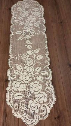 Filet Crochet Charts, Crochet Diagram, Crochet Patterns, Crochet Dollies, Crochet Lace, Free Crochet, Crochet Table Runner, Crochet Tablecloth, Crochet Embellishments