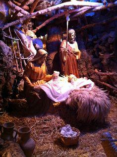 Pesebre en el belén de la Basílica de Santa María #Elche #navidad #visitelche