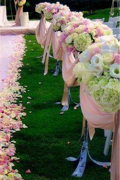 Pink and green wedding aisle decor & flowers so pretty Wedding Bells, Wedding Events, Our Wedding, Dream Wedding, Luxury Wedding, Floral Wedding, Wedding Flowers, Aisle Flowers, Wedding Gold
